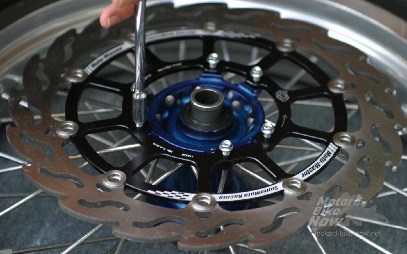 HAAN スーパーモトホイールと Moto-Master スーパーモトレーシング320mmディスク